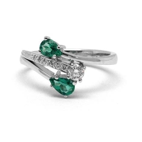 Prsten se smaragdem a diamanty 31096